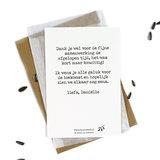 Bloemenzaden met kaart 'zomaar een berichtje' verpakt in pergamijn zakje_