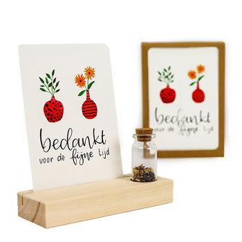 Bedankt voor de fijne tijd - Bedankje zaden in glazen flesje met kaart en standaard