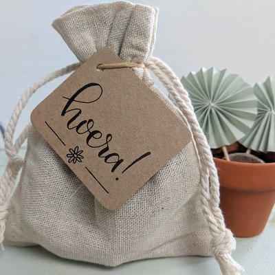 Hoera - bedankje zaden in linnenzakje