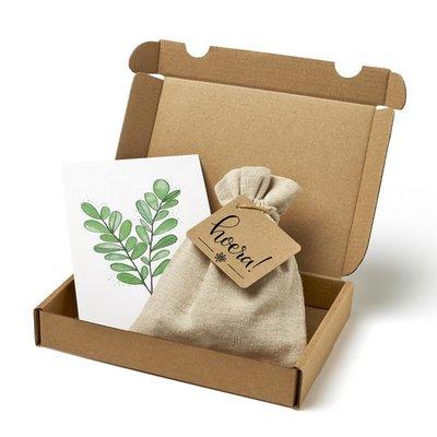 Hoera - Brievenbus bedankje; zaden in linnenzakje met ansichtkaart