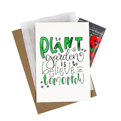 Bloemenzaden met kaart 'to plant a garden is to believe in tomorrow' verpakt in pergamijn zakje