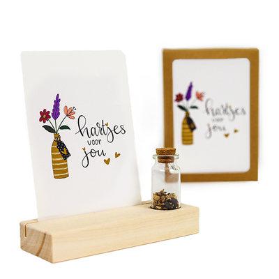 Hartjes voor jou - Bedankje zaden in glazen flesje met kaart en standaard