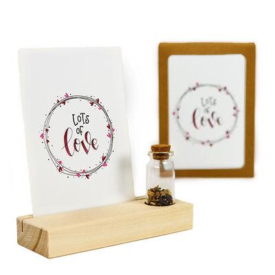Lots of love - Bedankje zaden in glazen flesje met kaart en standaard
