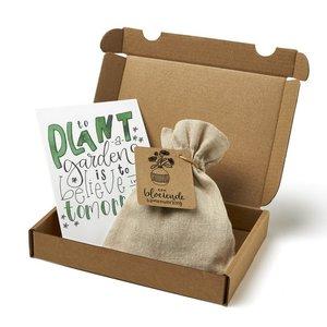 Bloeiende samenwerking - Brievenbus bedankje; zaden in linnenzakje met ansichtkaart